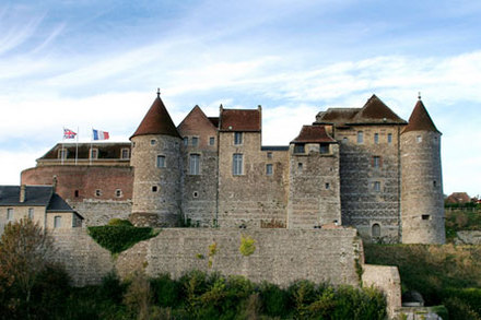 chateau-depuis-St-remy.jpg